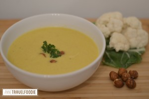 cauliflower soup with hummus