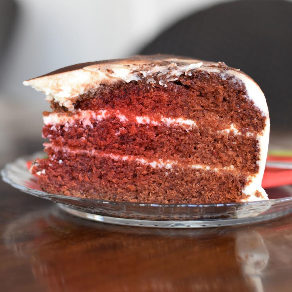 red velvet cake bij babette haarlem