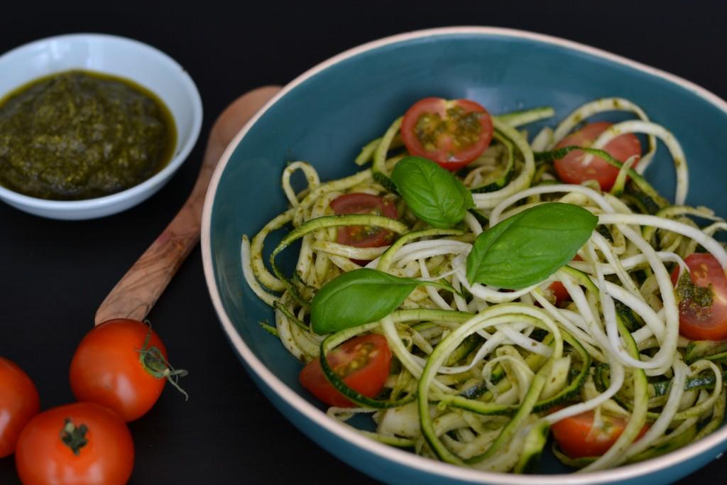 zucchini courgette noodles pesto