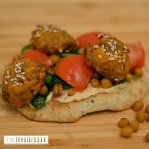 naan falafel