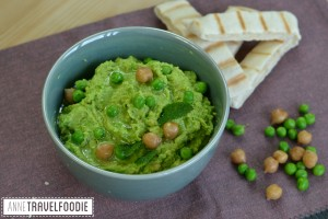 vegan green pea hummus