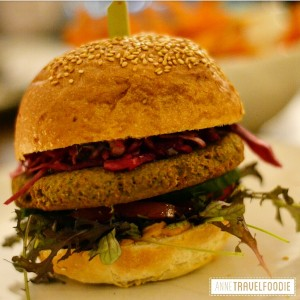 5 Dophert, best veggie burger of Amsterdam