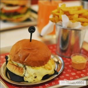 7 Artisani Burger, best veggie burger of Amsterdam