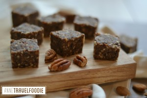 raw gluten free vegan pumpkin spice bars