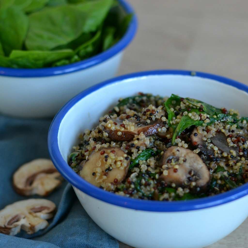 vegan quinoa risotto with spinach and mushrooms