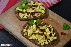 vegan scrambled eggs from tofu breakfast.