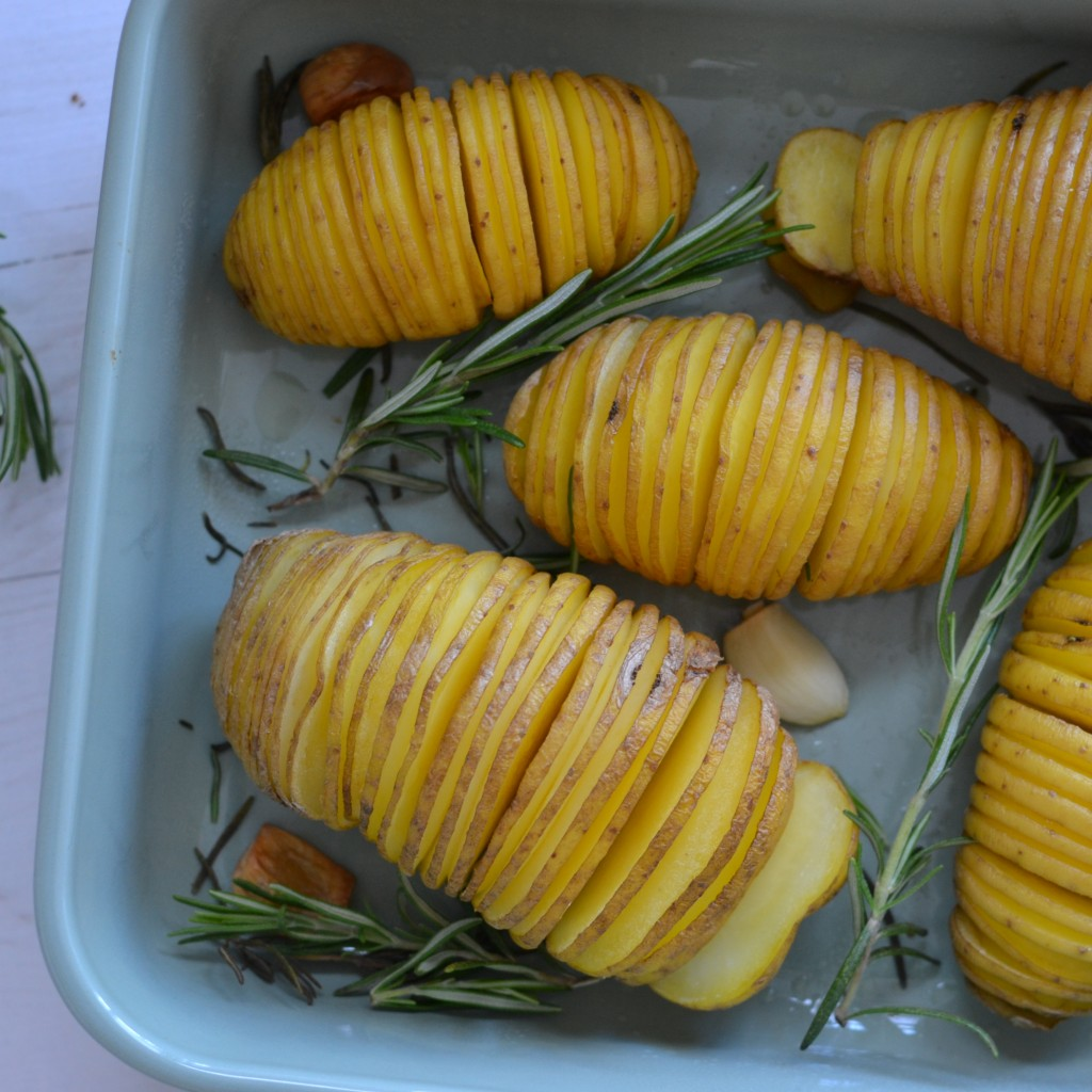 baked potatoes hasselback food hack recipe