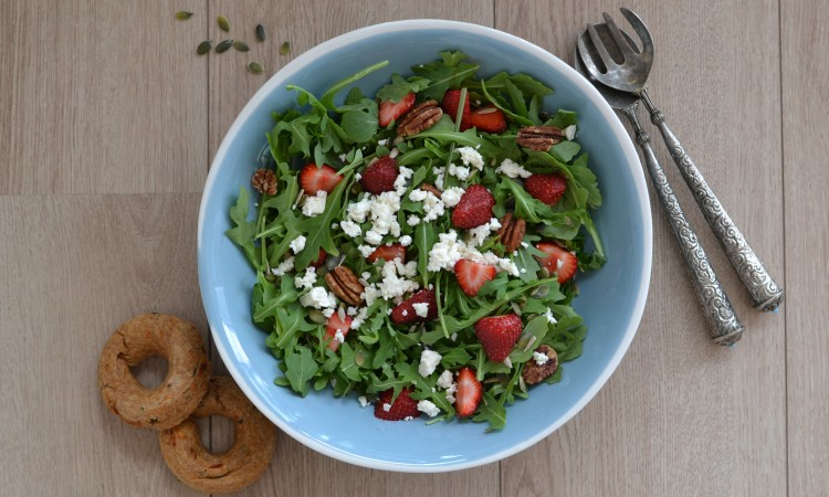 summer salad vegetarian strawberries