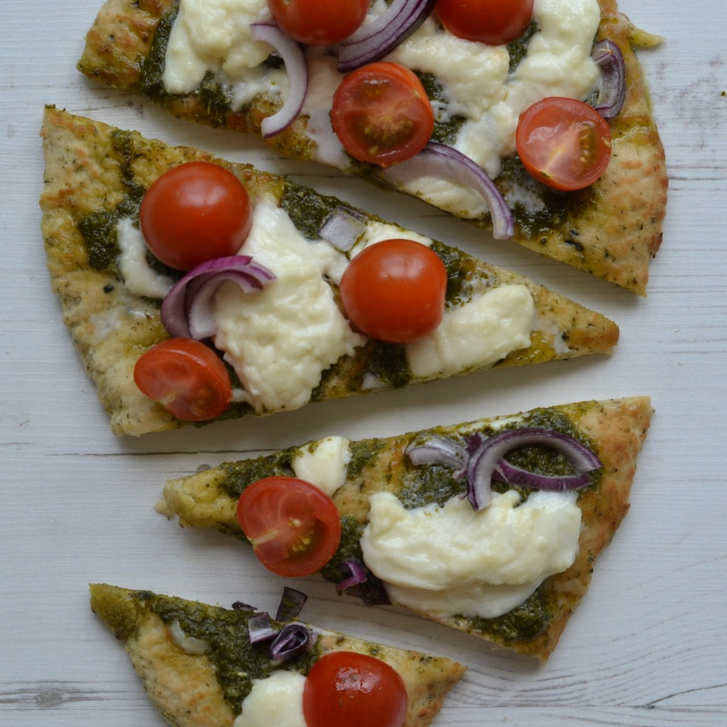 easy vegetarian naan bread pizza